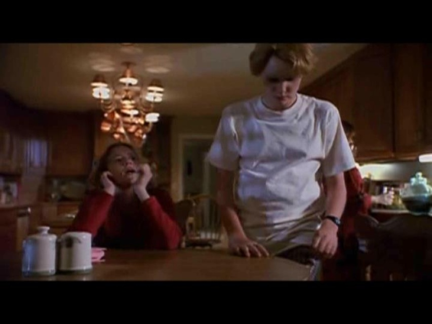 Don't Look Under the Bed (TV Movie 1999) Erin Chambers, Ty ...